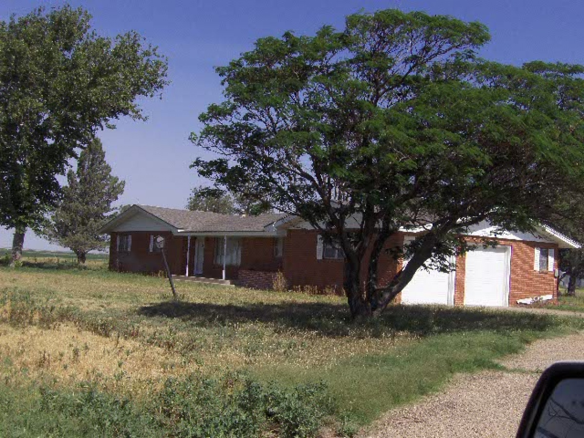 Two farm homes with extras!