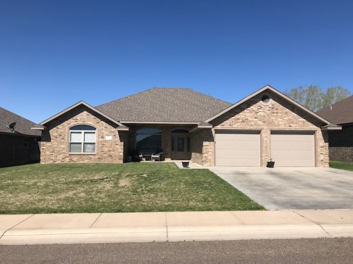 Great Home on Seminole Trail, Close to Schools, Shopping, Lake