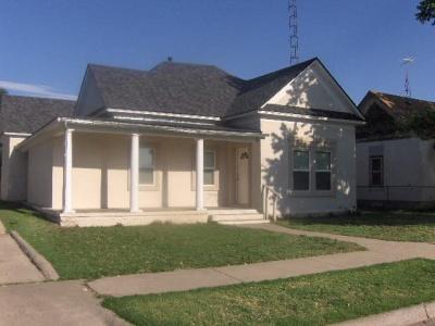 310 Conlen, Dalhart, Dallam, Texas, United States 79022, 3 Bedrooms Bedrooms, ,1.75 BathroomsBathrooms,Single Family Home,Sold Properties,Conlen,1140