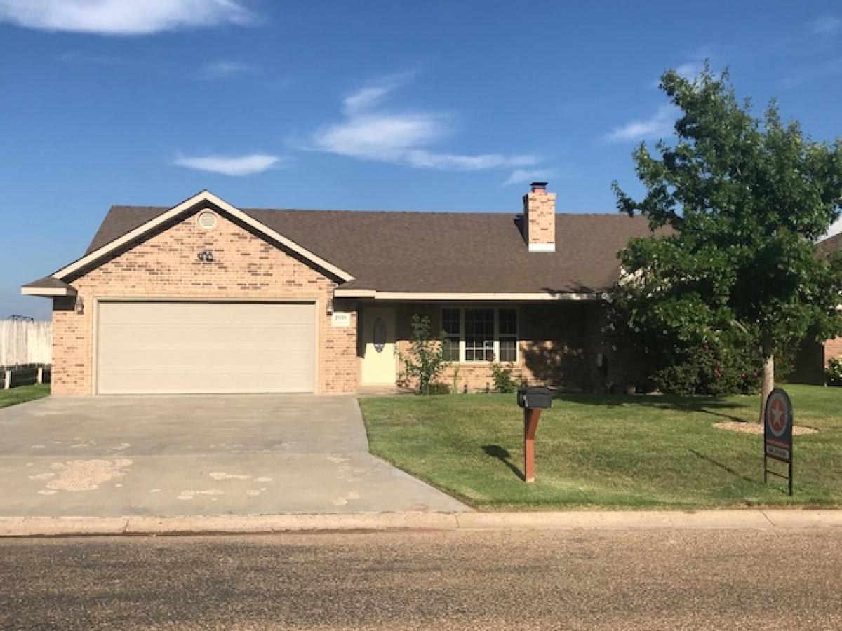 Brick home in great neighborhood!