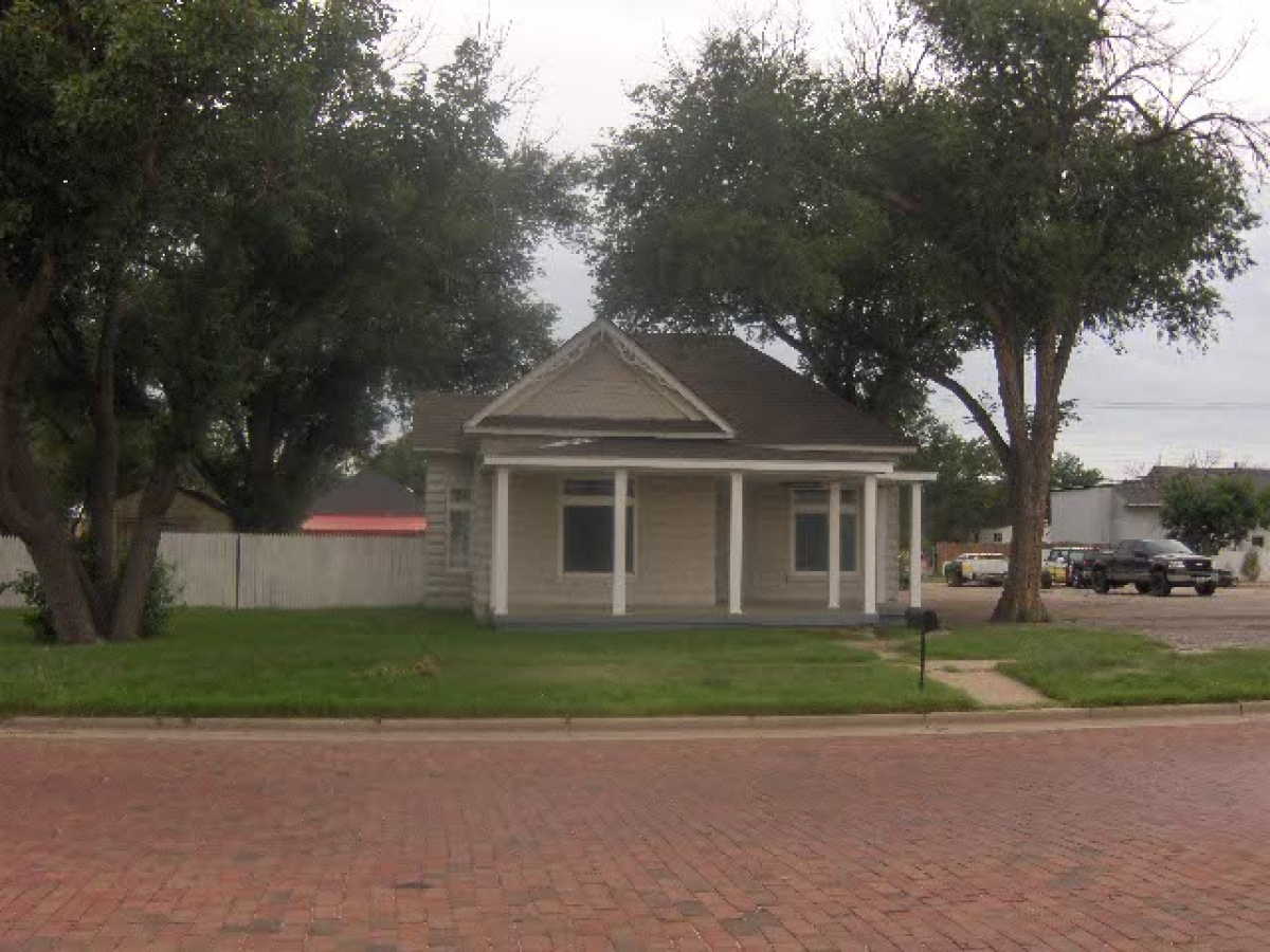 SO CUTE - Large Covered Porch- ALL NEW AND UPDATED  2 Bedroom 1 Bath