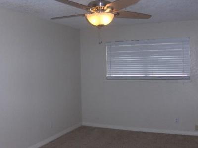 903 Margaret, Dalhart, Dallam, Texas, United States 79022, 3 Bedrooms Bedrooms, ,1.75 BathroomsBathrooms,Single Family Home,Rental Properties,Margaret,1160