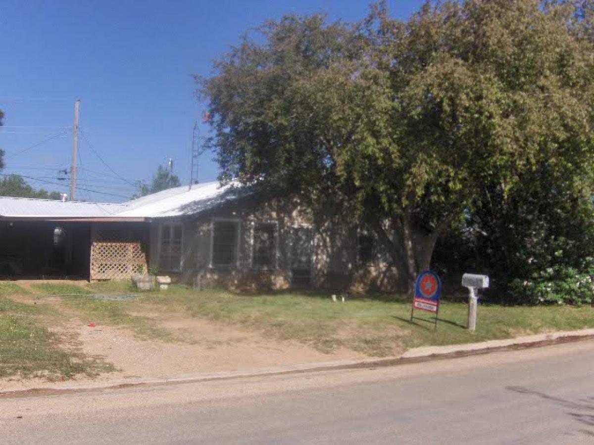 2 Houses/shop/barn on 175 Foot Lot