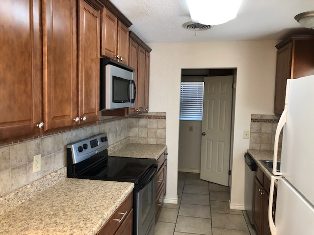 1617 Peach Ave,Dalhart,Hartley,Texas,United States 79022,3 Bedrooms Bedrooms,1.75 BathroomsBathrooms,Single Family Home,Peach Ave,1198