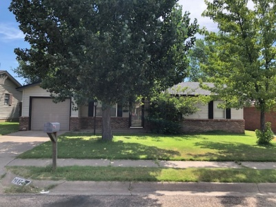 1617 Peach Ave, Dalhart, Hartley, Texas, United States 79022, 3 Bedrooms Bedrooms, ,1.75 BathroomsBathrooms,Single Family Home,Sold Properties,Peach Ave,1198