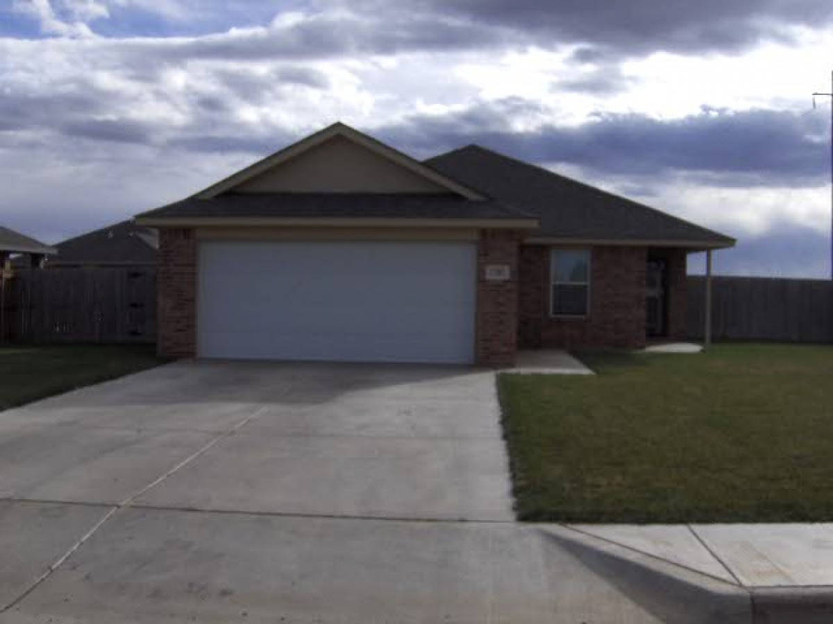 Newer brick home with open plan!